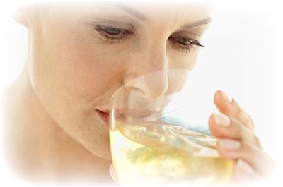 Через сколько выходит алкоголь из грудного молока